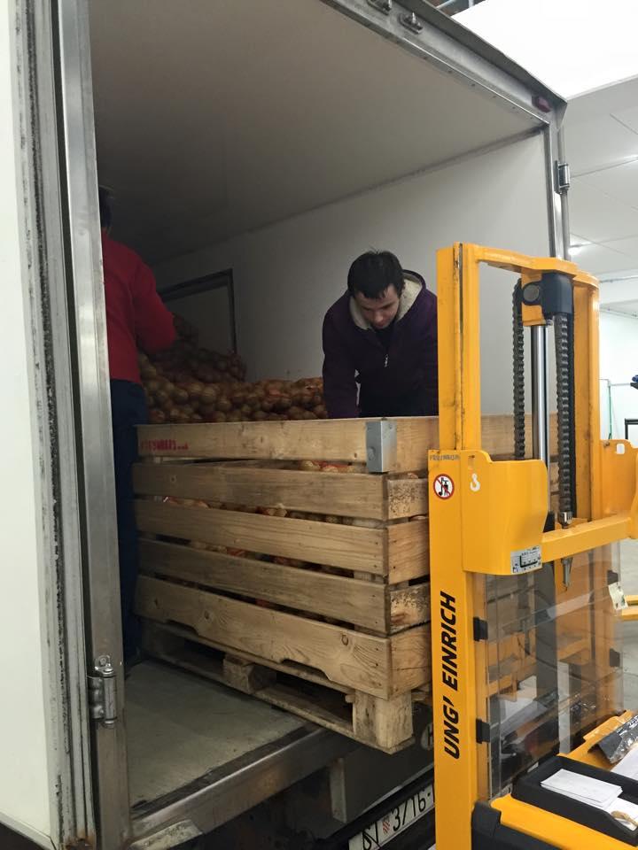 Frutarija besplatne jabuke za izbjeglice